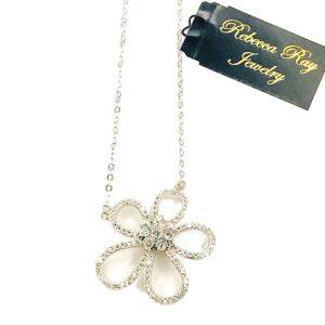 02956 Flower Necklace