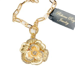 03010 Flower Necklace