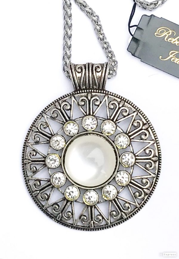 02634 Mother of Pearl Necklace